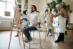 How to Choose an Easel: Types of Easels, Tips & Pointers
