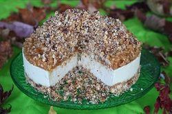 Raw Apple Crumble Cheesecake